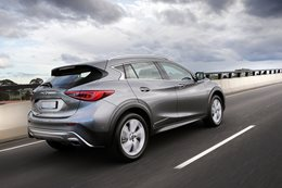Infiniti QX30 rear side