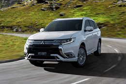 Plug-in Mitsubishi Outlander gains bigger engine