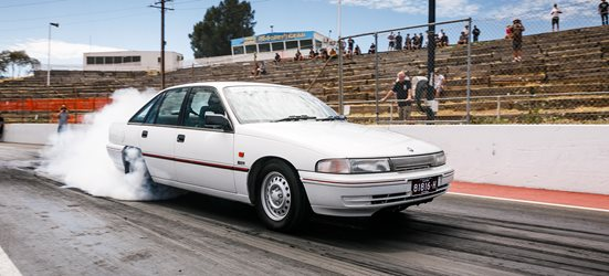 VP commodore drag race