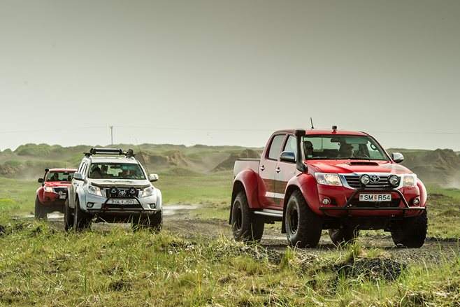 Arctic Trucks Toyota Hilux: Iceland road test main