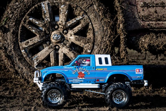 Toyota 'Little and Large' videos: Tamiya Hilux main
