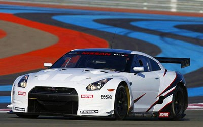 Nissan GT1-spec R35 breaks cover
