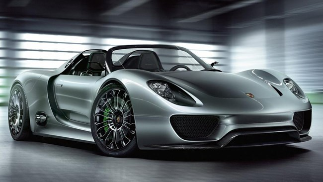Official video of Porsche's 918 Spyder hybrid released