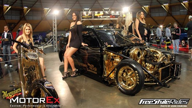 Girls of the 2011 Meguiar's MotorEx