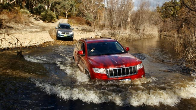 Jeep Grand Cherokee vs Toyota Prado vs Land Rover Discovery 4 Review