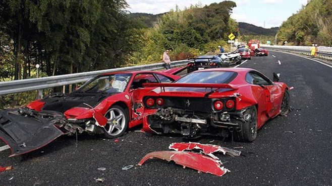 Eight Ferraris in Japanese car crash