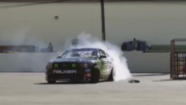 RC car battles drift champion