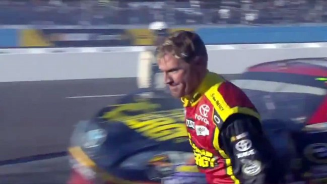 NASCAR, Jeff Gordon, Clint Bowyer, fight, 2012, AdvoCare 500, Phoenix International Raceway