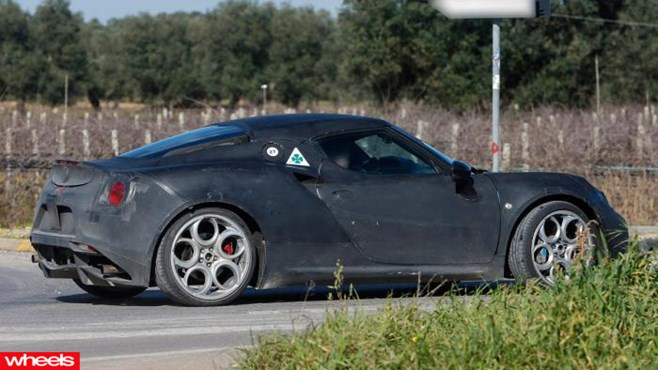 Alfa Romeo, 4C, spy shots, caught, testing, Wheels, Italy