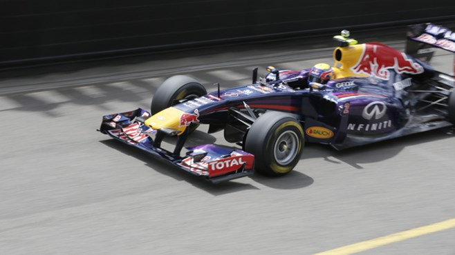Aussie F1 ace Mark Webber has smashed the lap record at Sydney Motorsport Park in his Red Bull racing car, top gear featival 2013,