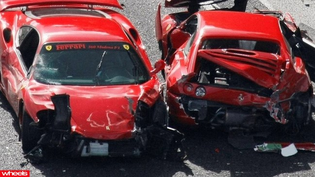 Ferrari crash japan 201l, accident