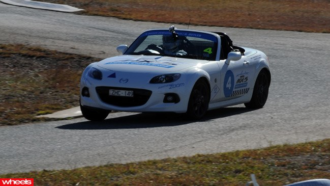 Mazda MX-5s roadster, australia vs russia, media challenge, Canberra, result, 2013, journalists, video, pictures