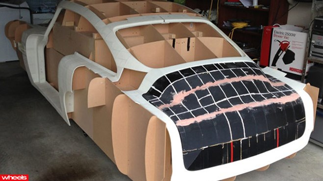 Man builds Aston Martin with 3D printer