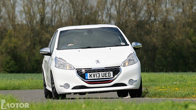 Peugeot 208 GTi, 2013, car review