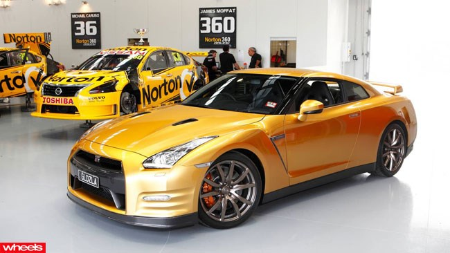 Usain Bolt, Nissan GT-R, Usain Bolt Foundation, gold GT-R, Wheels magazine