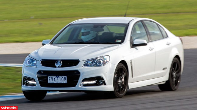 2014 Holden VF Commodore SS V | car review @ Top Speed