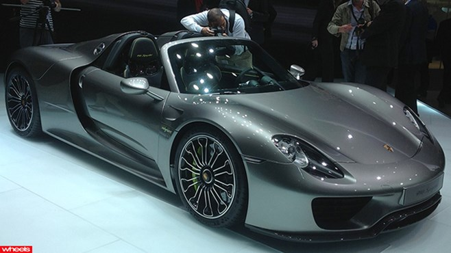 The new Porsche 918 Spyder. Finally in production form.