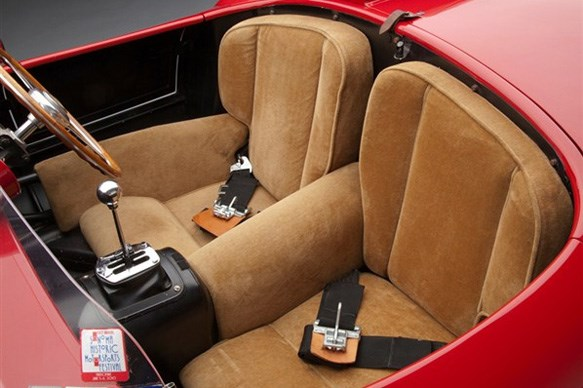 What is the Ferrari 625 TRC's interior like?