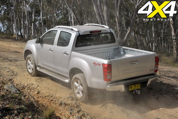 ISUZU D-MAX<br>Built tough: 6.2/10