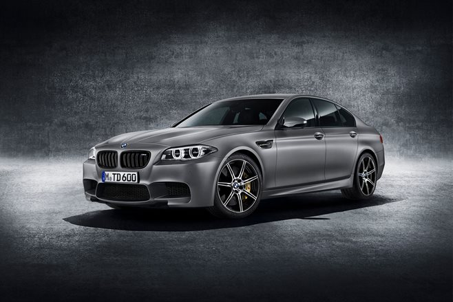 BMW M5 '30 Jahre' review