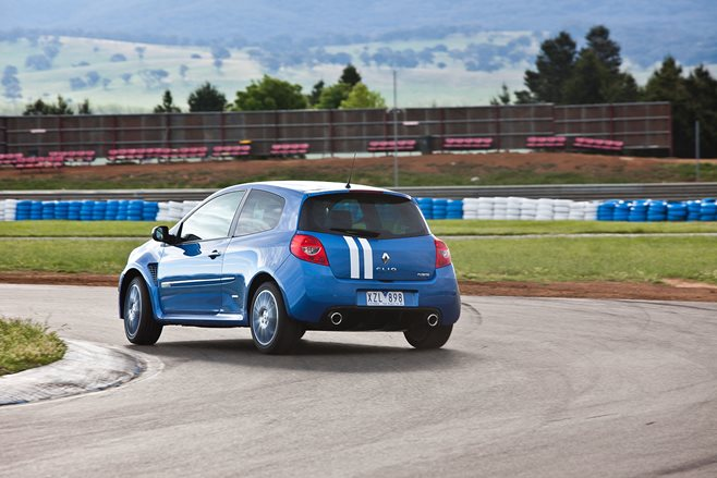 34. Renault Sport Clio RS200