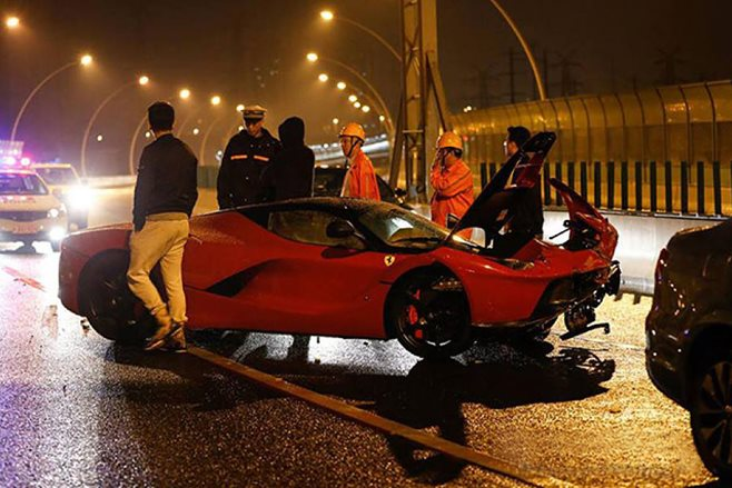 LaFerrari crashes in Shanghai