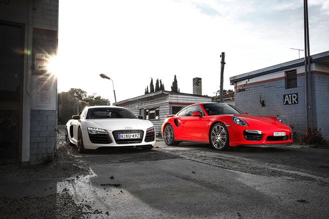 911 Turbo vs R8 V10 Plus