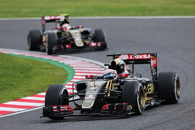 Renault buys Lotus F1 team
