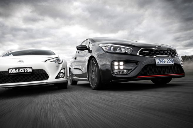 Kia ProCeed GT vs Toyota 86 GTS