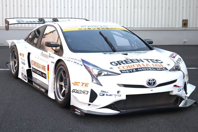Toyota Prius racer gets V8 power