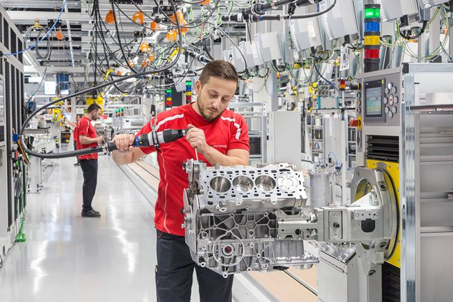 Porsche opens new V8 engine plant