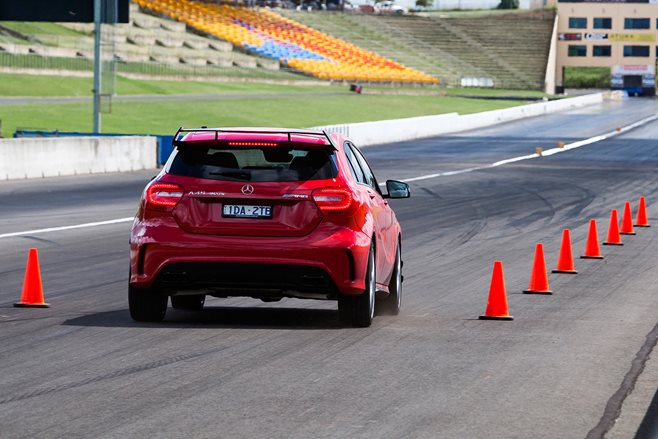MOTOR Tyre Test 2015: Dry Braking