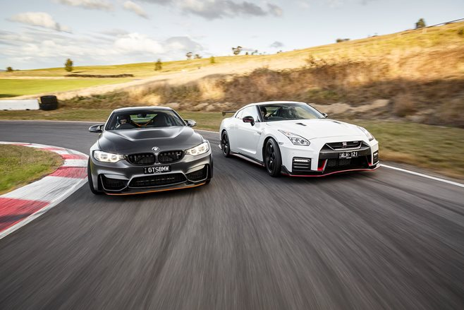 2017 Nissan GT R NISMO vs 2017 BMW M4 GTS racing