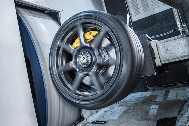 Porsche's carbon fibre wheel rims