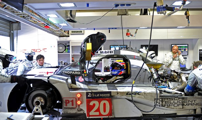 Webber's #20 Porsche retires at Le Mans