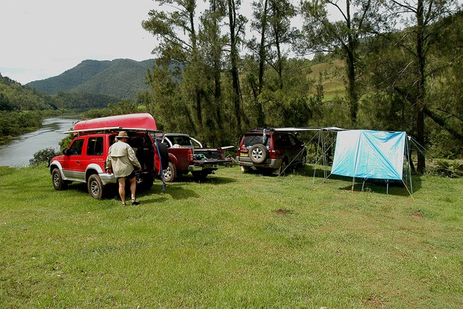 Clarence River Lower Gorge campsite