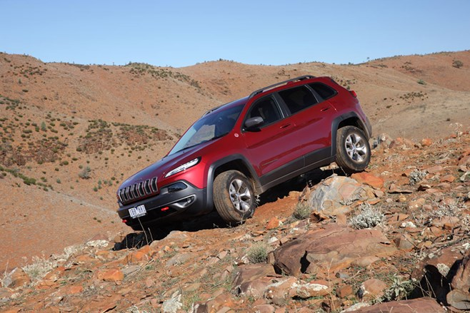 Jeep KL Cherokee Trailhawk off road