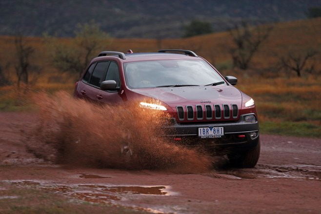 Jeep KL Cherokee Trailhawk mud