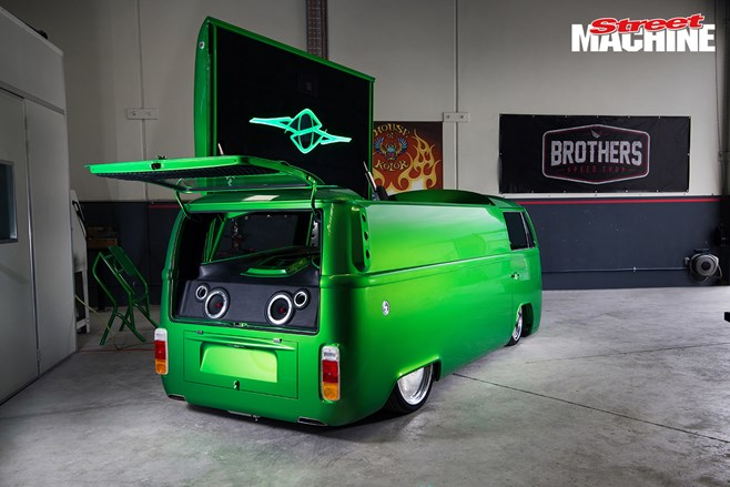 Bliss N Eso Kombi dj booth vw volkswagen