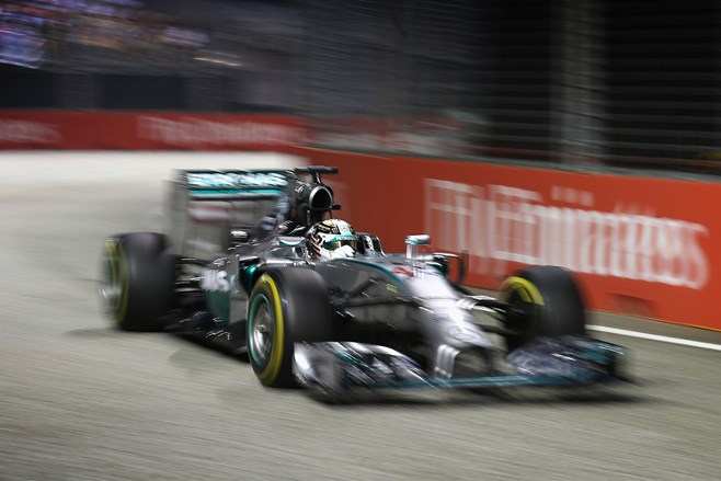 Hamilton wins at Singapore F1 GP