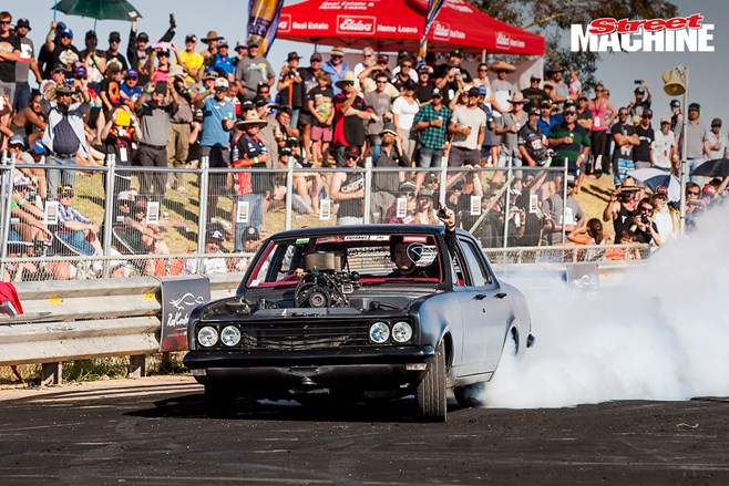 HT Holden burnout