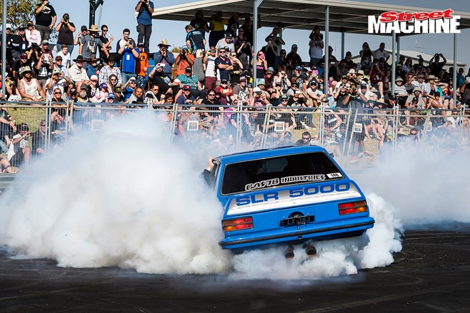 LX Torana burnout