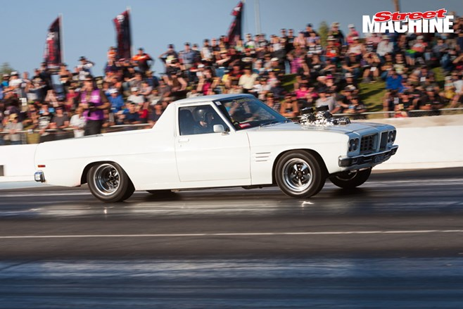 HQ Holden ute drag race