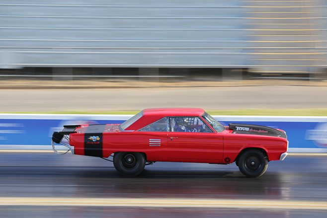Dodge Dart drag race