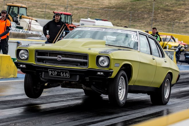 HQ Holden POP666 Drag Challenge 2015