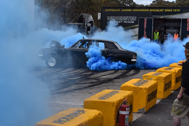 HT Holden burnout UCSMOKE