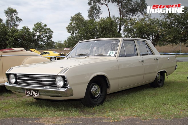 Chrysler Valiant sedan