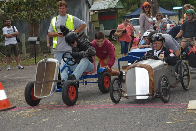 MOUNTAIN MAYHEM BILLY CART DERBY