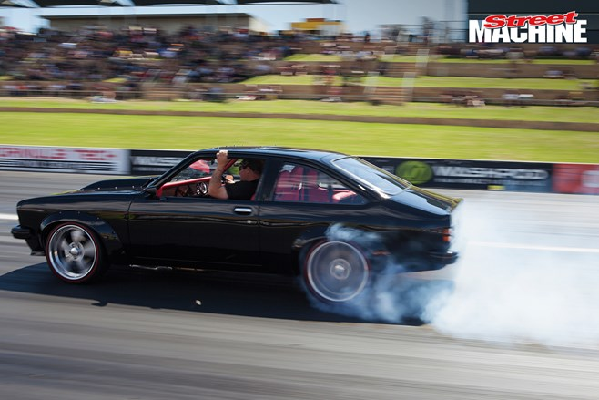 LX Torana hatch burnout