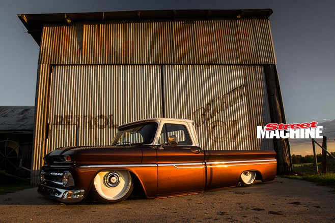 Chevy C10 pick up slammed